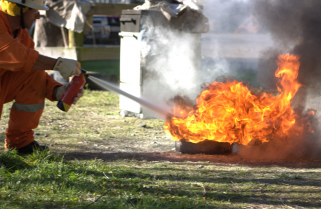Fire-Extinguisher-Training-Course-How-to-use4.jpg