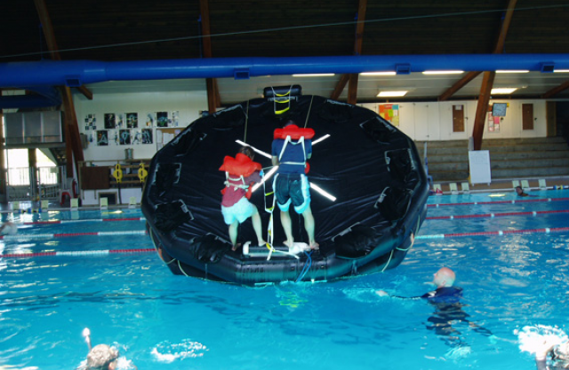 stcw95-marine-rescue-raft-training-course3.jpg