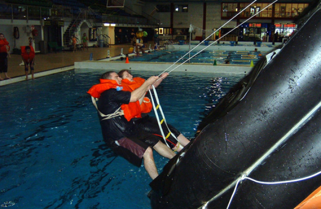 stcw95-marine-rescue-raft-training-course2.jpg